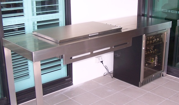Barbeque Counter with fridge
